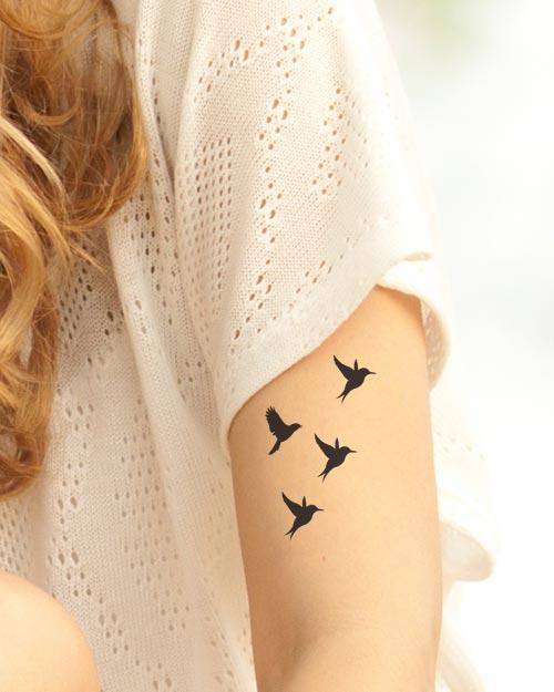 Tatouage temporaire romantique oiseaux